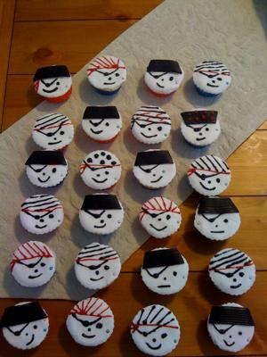 pirate-party-cupcakes